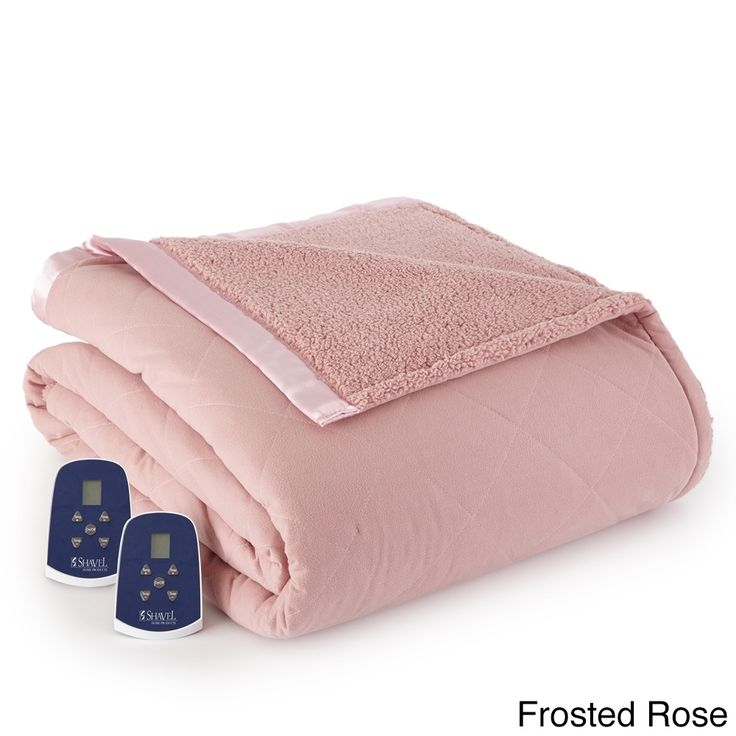 Made of luxurious fine quilted flannel with an immensely plush sherpa underside, this electric blanket is the perfect solution to cold winter nights. With an inner layer of comfy down alternative fibe