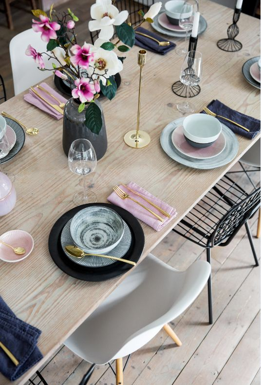 Outdoor Dining | Scandi Inspired | Pastels | Flowers | Pretty | Scandi | Stylish…