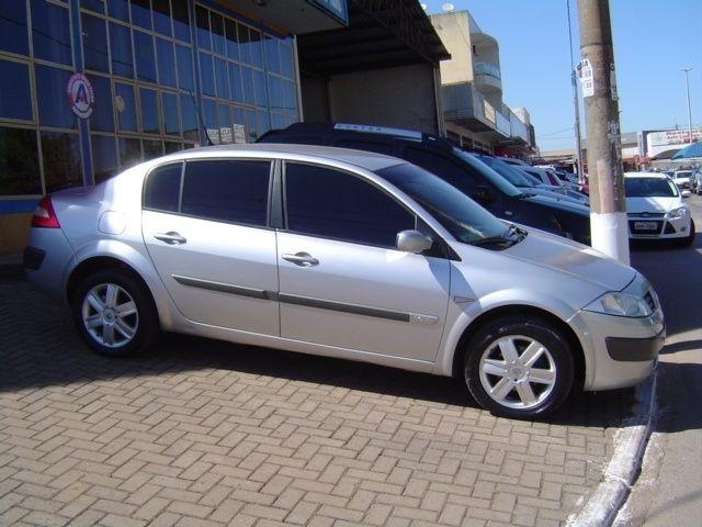 Renault Mégane Sedan Dynamique 1.6 16V (flex) - Guara - Cidade do Automóvel - Brasília - DF. Anúncio 10807068 - iCarros