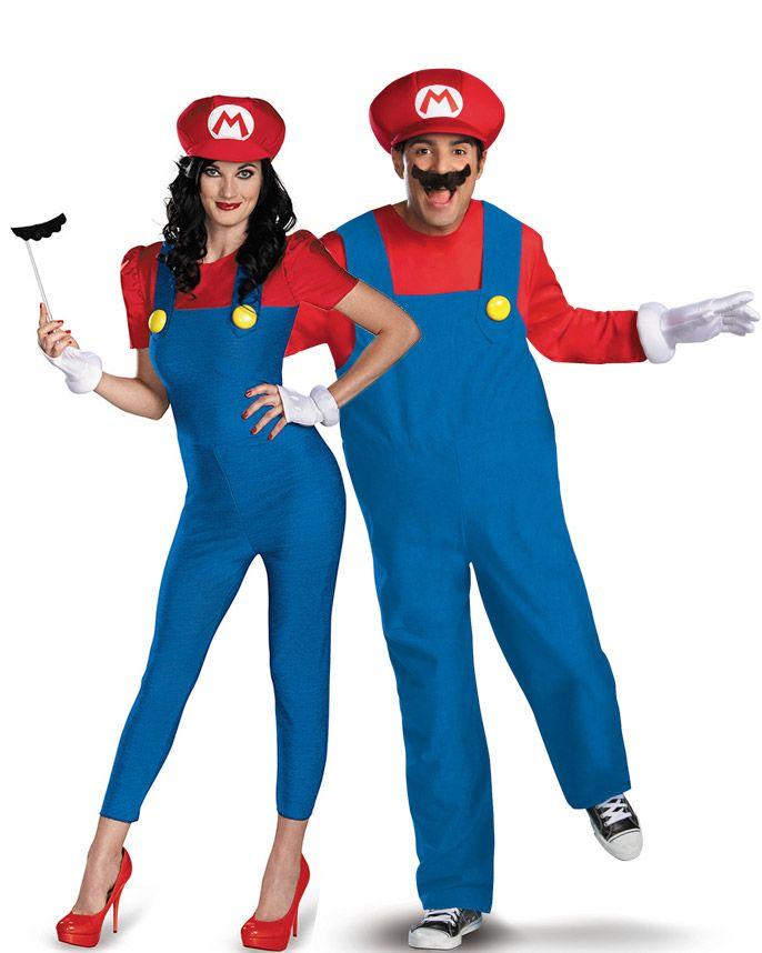 Disfraz pareja Mario™ adulto: Disfraz Mario™ Deluxe adultoEste disfraz Mario™ para adulto tiene licencia oficial Mario™. Incluye traje, barriga hinchable, gorra, guantes y bigote (zapatos no incluidos). El traje...