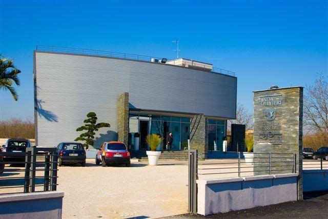 #LindaOlivieri - Centro Messegue'-       Napoli - Italy  #RaffaeleCarrella