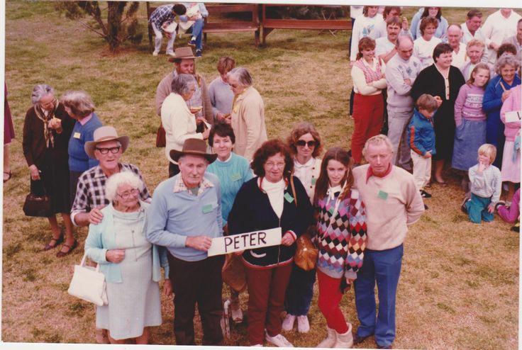 Peter Mathews descendants Louth Reunion 1985, see list for names.