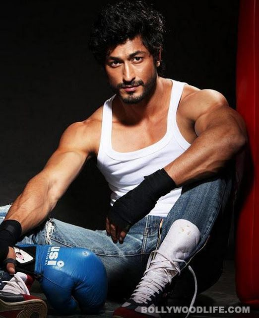http://www.galaxypicture.com/2017/01/vidyut-jamwalhd-wallpapers-and-pictures.html