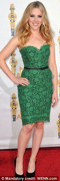 Love this beautiful green lace gown with black peeping from underneath and a black belt, worn by the ever lovely Scarlett Johansen