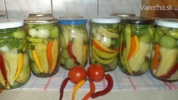 Zavárané zelené paradajky s paprikou a cibuľkou (fotorecept)
