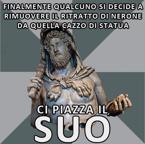 """""""Il modello della statua fu evidentemente il Colosso di Rodi, ma quello di #Nerone ne era addirittura più grande, essendo alto più di 35 metri. Il volto era un ritratto di Nerone. Dopo la morte di Nerone, in segno di disprezzo verso questo imperatore, il Colosso fu ridedicato da Vespasiano al Sole, e la testa fu ornata di raggi. Sotto Commodo, il Colosso cambiò ancora testa assumendo i tratti di #Commodo stesso nei panni di Ercole"""" Era un'occasione TROPPO ghiotta"""
