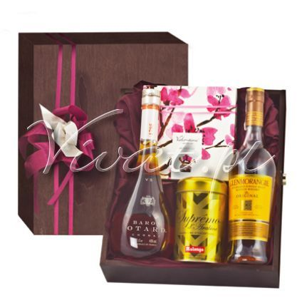 Kosz delikatesowy Harmonia Gift box Harmonia by Vivat http://www.vivat.pl/566,kosz-delikatesowy-harmonia.html Koniak Baron Otard VS 0,7 l Whisky 10Y Glenmorangie 0,7 Kawa mielona Supremo Arabica, Malongo 250 g Ekskluzywna bombonierka belgijskich prali Valentino 175g