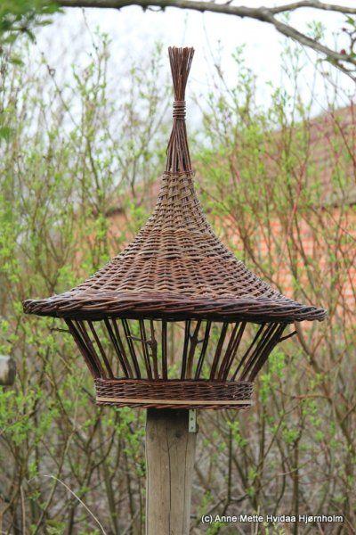 Comedero de pájaros  -  Bird feeder