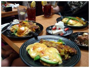 Los Gatos Cafe -  A long-standing tradition in Los Gatos! Featuring fabulous soufflé omelettes, a variety of eggs benedict, homemade soups and muffins, among others tasty breakfast & lunch options. Two locations in Los Gatos.