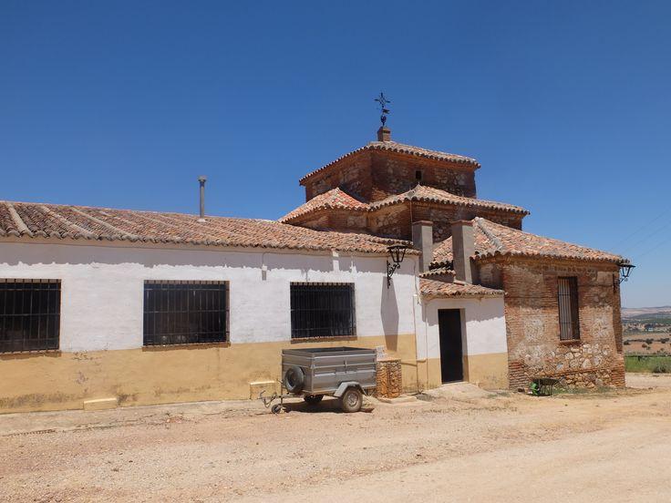 El Viso del Marqués. Ermita de San Andrés. Siglo XVIII.Esta a 12 km de distancia.