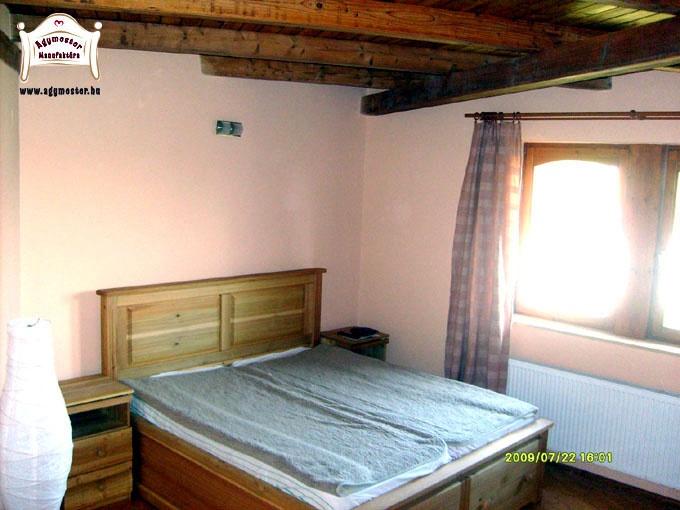 Egyedi gyárátsú felnőtt ágy