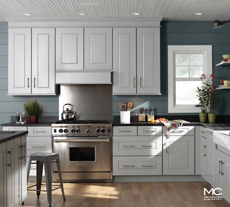 White Maple Kitchen Cabinets: 16 Best Caledonia Granite Images On Pinterest