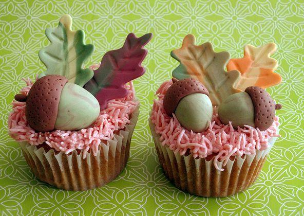 Herfst cupcakes maken -  Het regent, het waait en de blaadjes vallen van de…