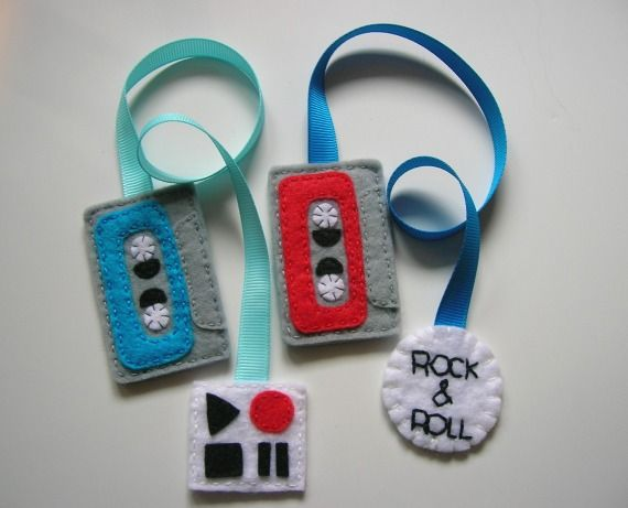Punto de libro cassette Play / Cosir i fer ampolles - Artesanio