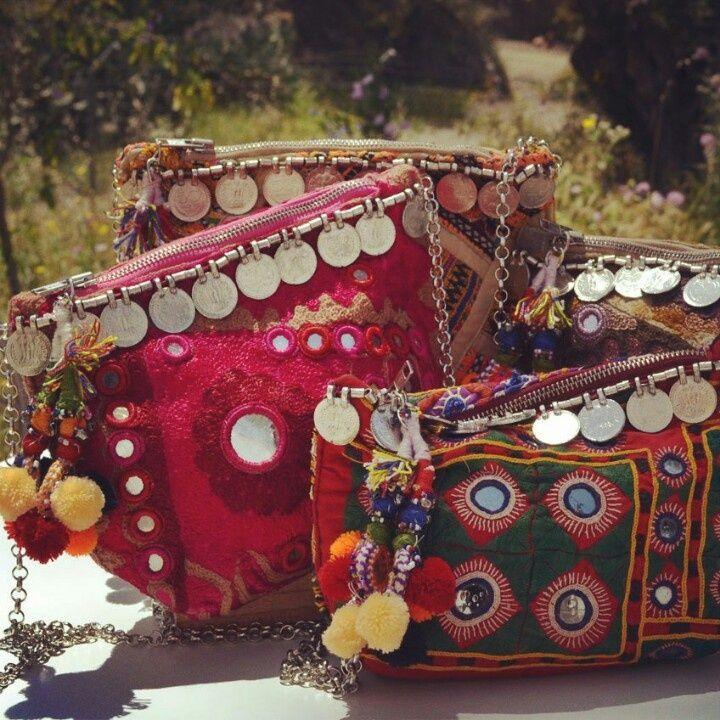 Découvrez la beauté d'un sac indien du kerala, u sac ethnique indien au charme unique et singulier artisanat du sud de l'Inde fabrication artisanale.