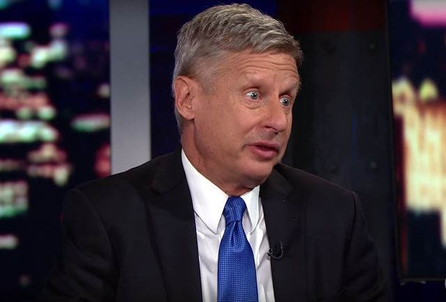 Nonverbal Communication Analysis No. 3592: Gary Johnson, The Libertarian Party and Beta Body Language (VIDEO, PHOTOS)   http://www.bodylanguagesuccess.com/2016/06/nonverbal-communication-analysis-no_18.html