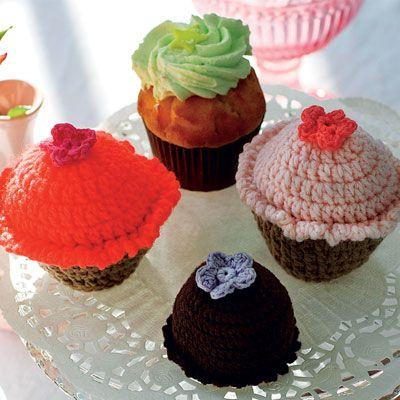 Hæklede i alle størrelser - cupcakes, Sarah Bernhardt og jordbærkager ❤