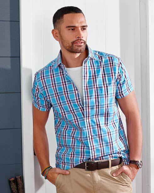 Najlepsze męskie stylizacje tylko na https://www.tchibo.pl/-moda-meska-klasyczna-sportowa-elegancka-t400047055.html#utm_medium=spolecznosc&utm_source=pinterest.com&utm_campaign=radosc_odkrywania&utm_term=moda-meska  #moda #fashion #stylish #men #menfashion