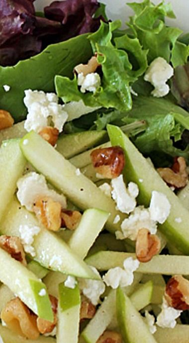 Now that apple season is upon us, this is a great and healthy way to get your fix for just 136 calories or 5 Weight Watchers SmartPoints per serving. ❊