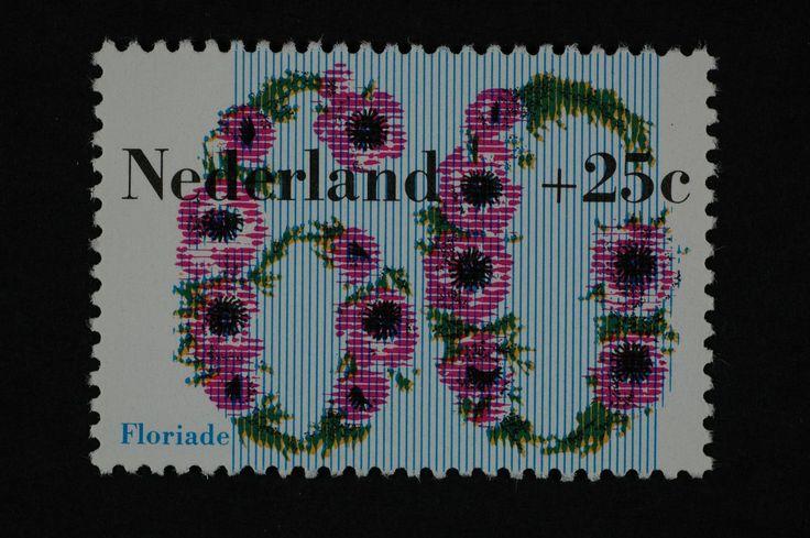 1982 | Will van Sambeek | roze, groen, blauw | bloem, anemoon, typografisch