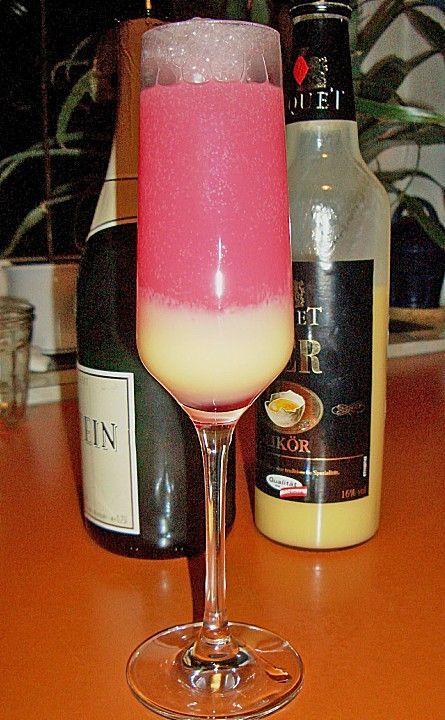 Eierlikör mit Sekt und Grenadine, ein leckeres Rezept aus der Kategorie Longdrink. Bewertungen: 10. Durchschnitt: Ø 4,0.