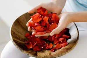 How to make beads from rose petals
