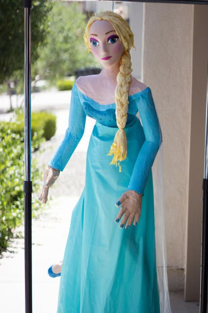 Handmade Elsa Pinata from the movie Frozen. | Awesome ...