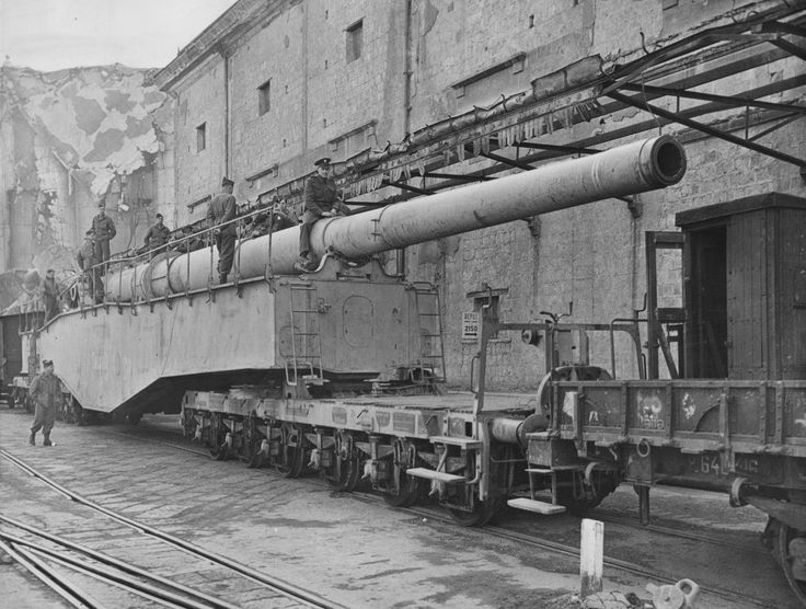 Monster Krupp K5 280mm railway gun captured by the Allies in Citavecchia, Italy. The class included two guns, which the Germans named Leopold (pictured) and Robert. Both were used to shell the Allied bridgehead at Anzio, June 1944.