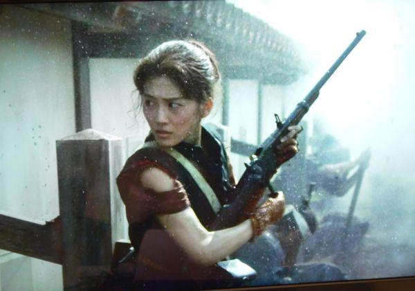 『八重の桜』(綾瀬はるか)a samurai defender girl uses spencer rifle at aizu castle (1868)