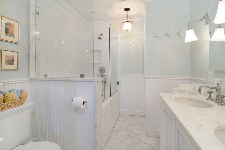 Light & bright Bathroom in #Hoboken