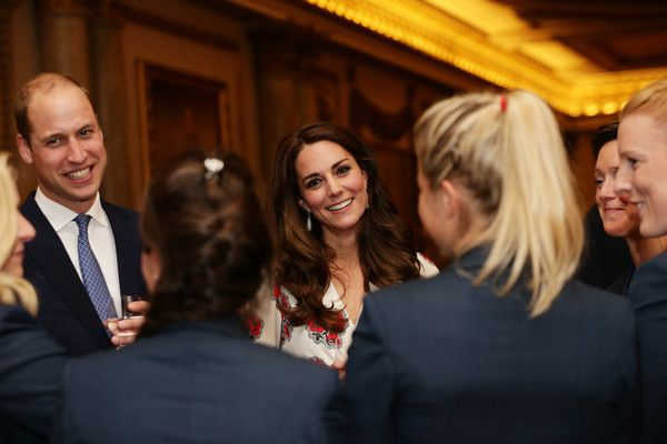Kate Middleton Photos Photos - Prince William, Duke of Cambridge and Catherine, Duchess of Cambridge meet athletes at a reception for Team GB's 2016 Olympic and Paralympic teams hosted by Queen Elizabeth II at Buckingham Palace October 18, 2016 in London, England. - Olympics & Paralympics Team GB - Rio 2016 Victory Parade