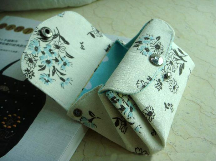 Accordion Folded Wallet. Free Sewing Pattern and Tutorial. Step by step DIY