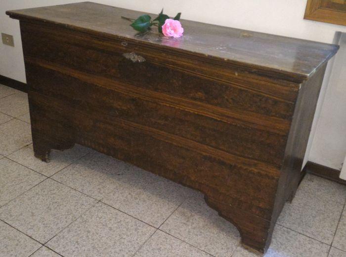 Spar hout borst - Italië - begin van de 20e eeuw  Grootte: breedte 136 cm diepte 54 cmMateriaal: sparren houtNooit hersteld  EUR 1.00  Meer informatie