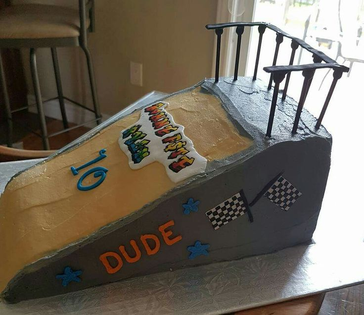 Bmx ramp birthday cake