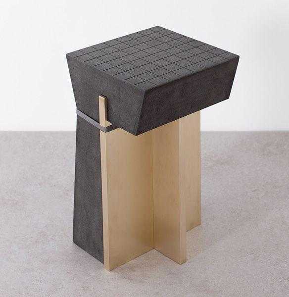 Брутальная мебель из лавы.