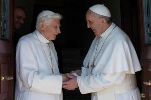 Papa Emerito vuelve a Vaticano