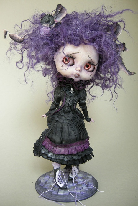 Muñecas de Julien Martinez For handmade dolls that have interchangeable eyes and mouths, visit jessicadolls.com!