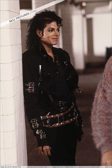 Michael Jackson http://www.slaughdaradio.com/#!slaughda-radio-live/y22tg