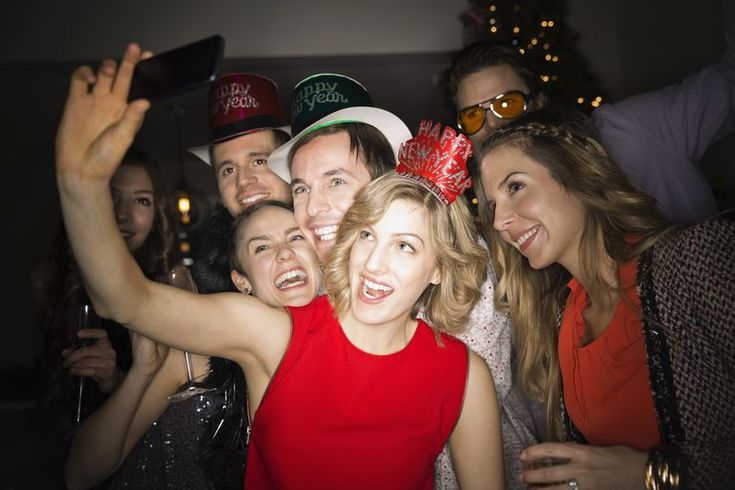 6 New Year's Resolutions for Singles. Read more blog at https://www.liveabout.com/new-years-resolutions-for-singles-1022193