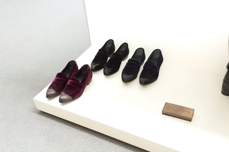 Velvet loafers with pointed toe