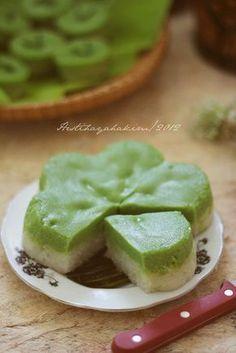 HESTI'S KITCHEN : yummy for your tummy: Lapis Ketan Sarikaya Pandan