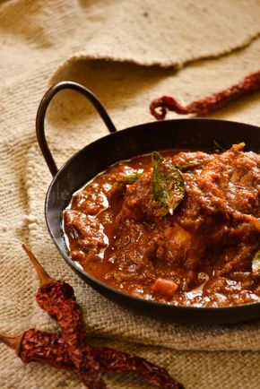 kurryleaves: Chettinad Chicken Curry