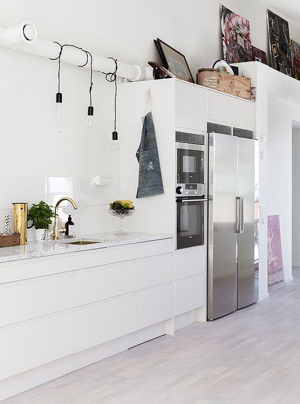 White + steel kitchen