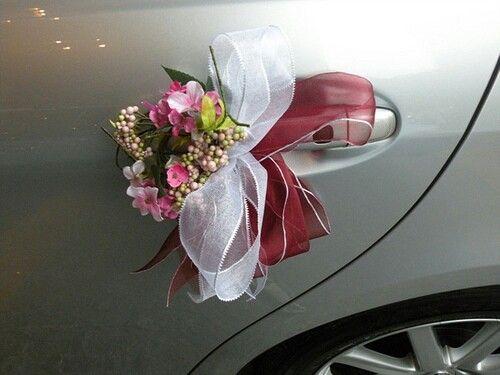 Wedding vehicle decor (without ribbon bows) | Hochzeitsauto Blumenschmuck (ohne die Schleifen)