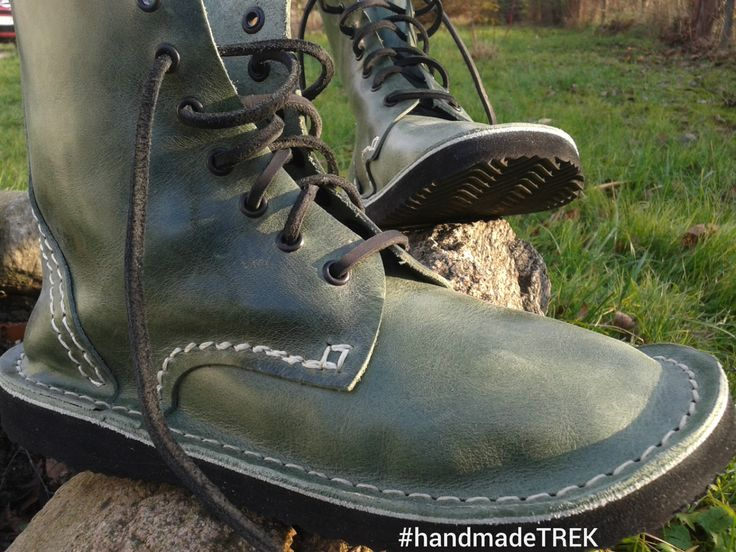 Handmade leather green shoes by TREK