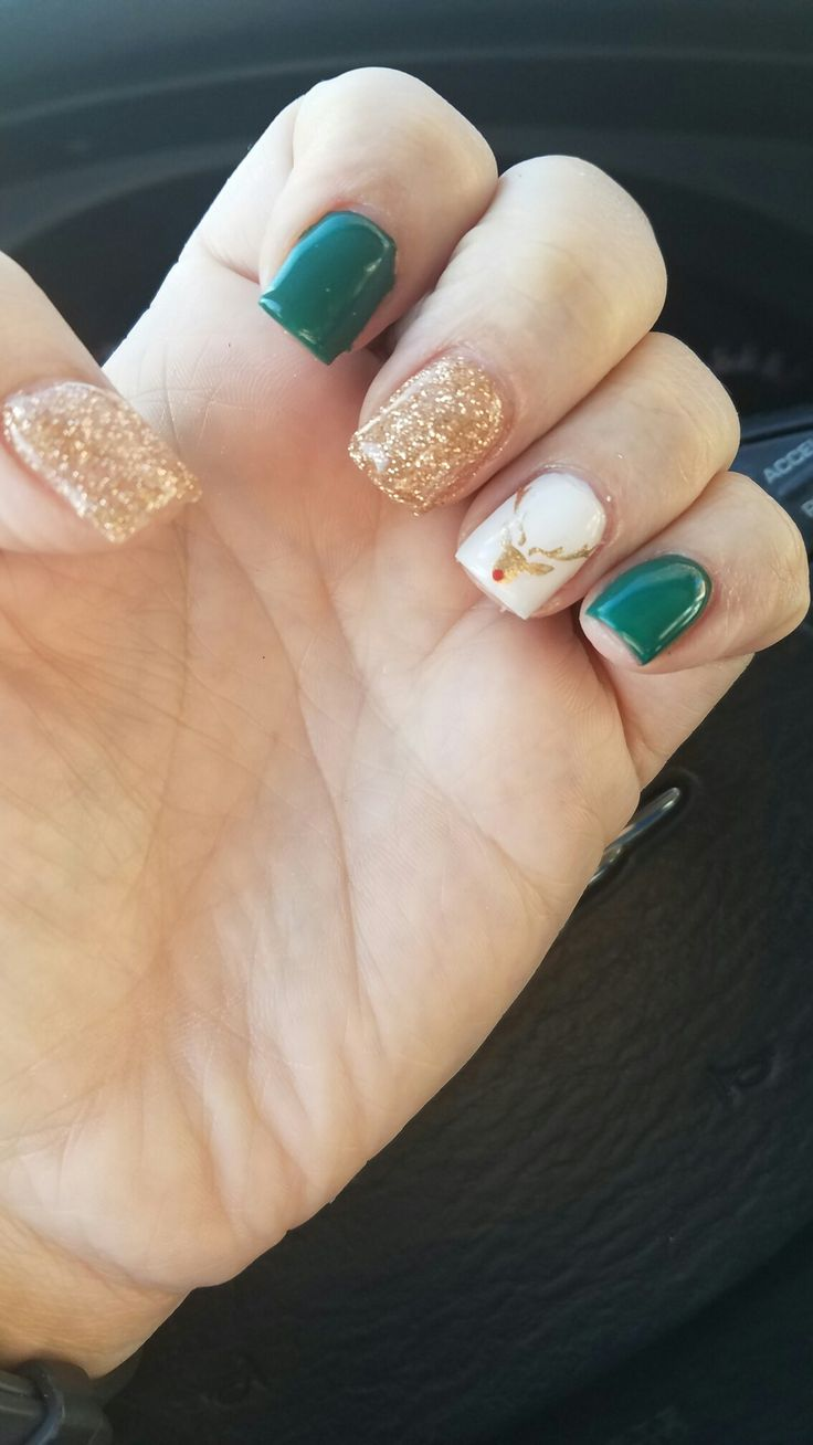 Green gold deer nails, winter nails, holiday nails