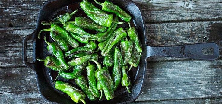 Bilde av stekte padrón peppers