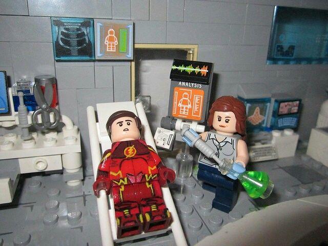 Barry Allen and Caitlin Snow Lego - Snowbarry lego - The Flash CW lego