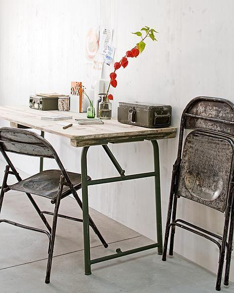 Deze stoere klapstoel met industriële look mag gezien worden.