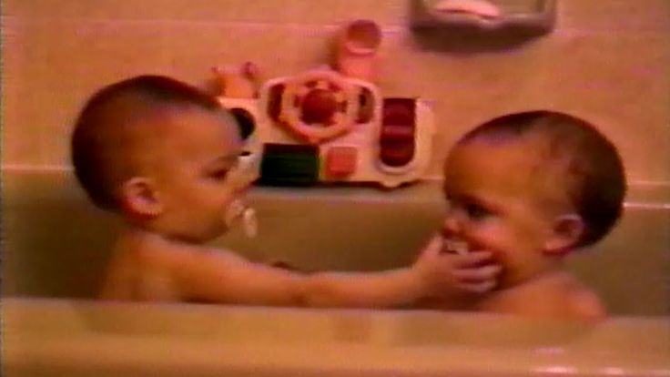7 Adorable Sibling Moments: In honor of International Sibling Day on April 10 h  amazing)